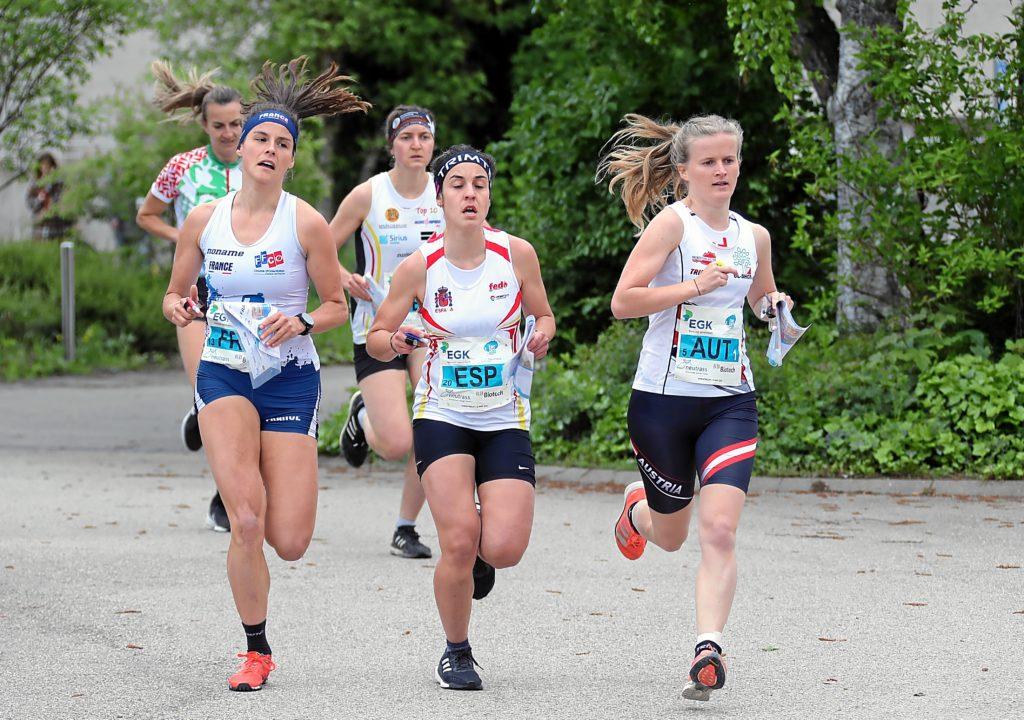 Massenstart der Mixed Sprint Staffel mit Leonore Winkler als Startläuferin